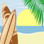 Tablas de surf en la playa — Vector de stock