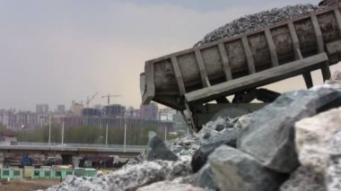 Mining dump trucks in the open pit mine — Stock Video
