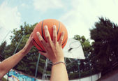 Shooting a Basketball — Stock Photo