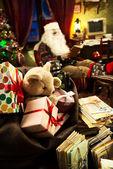Santa Claus relaxing at home — Foto Stock