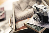 Vintage travel equipment — Stock Photo