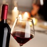 Wine tasting at restaurant — Photo