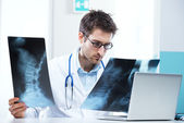 Radiologist exam — Stock Photo