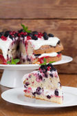 Mulberry and red currant cake — Stock Photo