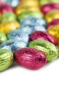 チョコレートの卵の背景 — ストック写真