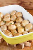 Roasted baby potatoes with thyme — Stock Photo