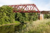 železniční most přes řeku — Stock fotografie