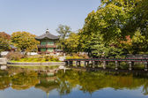 Korean temple, Emperors island in Gyeongbokgung palace. Seoul — Stockfoto