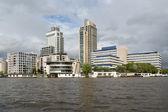 Boyunca netherl nehri amstel amsterdam ofis binaları — Stok fotoğraf