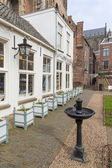 Courtyard in old Dutch medieval city of Utrecht — Stock Photo