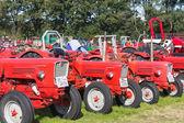 Nieuwehorne, Nederland - 28 sep: expositie van trekkers tijdens de landbouw festival flaeijel op 28 september 2013, Nederland — Stockfoto