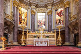 BERLIN, GERMANY - JULY 22: Altar of Berliner Dom, biggest protestant church of Berlin and a main tourist attraction of the city on July 22, 2013 in Berlin, Germany — Stock Photo