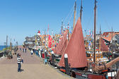 Tourists visiting  the fishing days of Urk, the Netherlands — Stock Photo