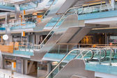 People shopping in the Dutch shopping mall Villa Arena at Amsterdam — Stock Photo