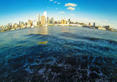 Manhattan Skyline on Hudson — Stock Photo