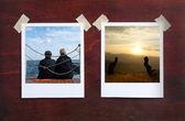 Blank photo frame on the grunge wood background — Stock fotografie