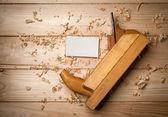 Skrivbord av en snickare med några verktyg — Stockfoto