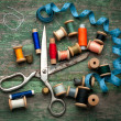 Vintage sewing tools and colored tape/Sewing kit — Stock Photo
