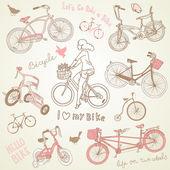 набор старинных велосипедов и красивая девушка, езда на велосипеде — Cтоковый вектор
