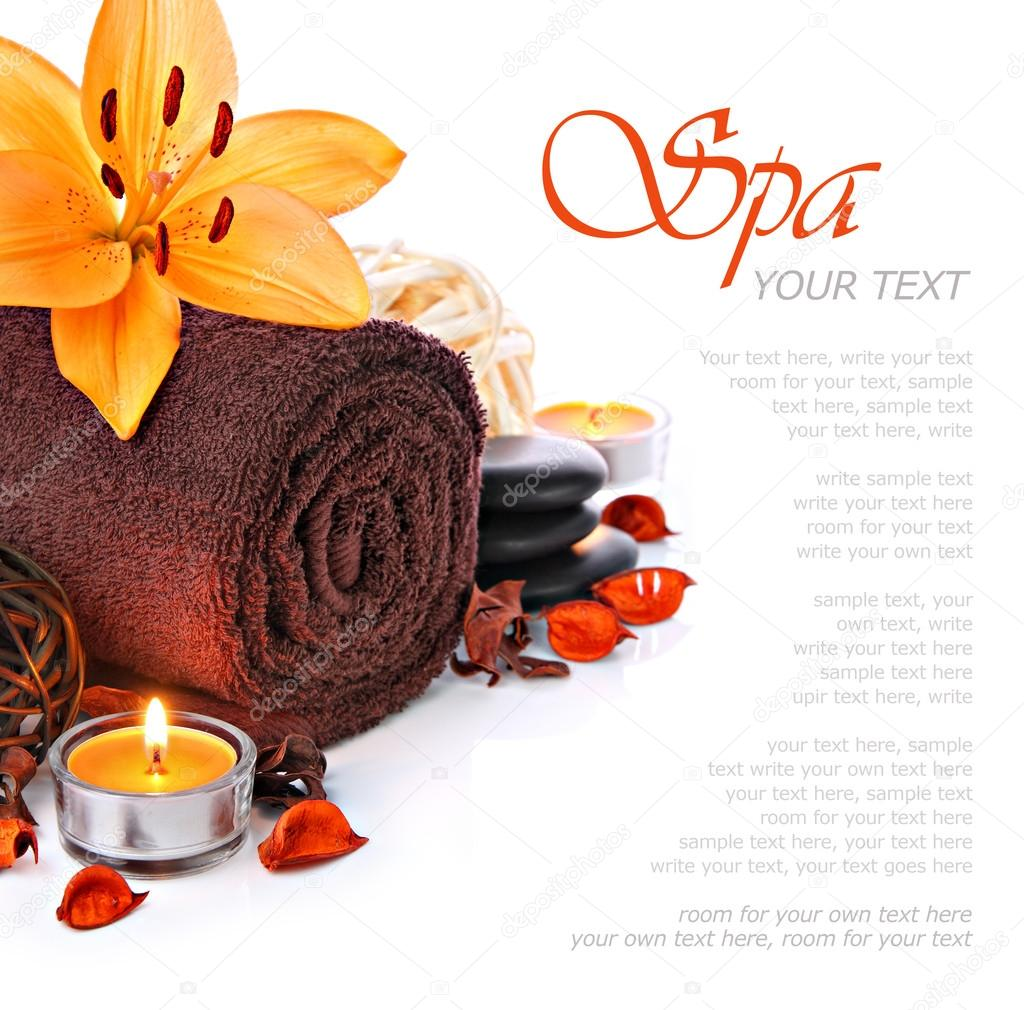 Spa massage border with fluffy brown towel, candlelight and a orange lily flower  — Stock Photo #20799607