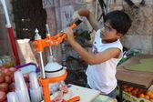 Boy working in the market in Jerusalem — Stock Photo