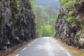 Typical narrow road in Norway — Stock Photo