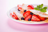 Strawberries And Crepes — Stockfoto