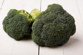 西兰花蔬菜在白板上 — 图库照片