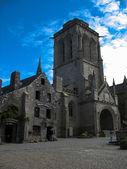 Locronan and church in Brittany — Stock Photo