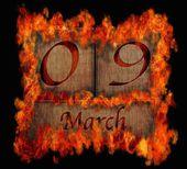 Brandende houten kalender 9 maart. — Stockfoto