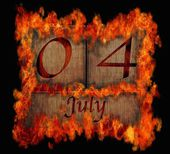 Burning wooden calendar July 4. — Stock Photo