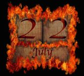 Burning wooden calendar July 22. — Stock Photo
