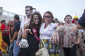 Asbury Park Zombie Walk 2013 - Homecoming Queen and Friend — Stock Photo
