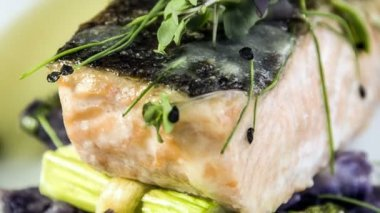 Salmon fillet with asparagus baked in puff pastry — Stock Video