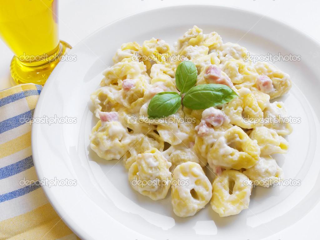 Tortellini Pasta Italiana — Foto Stock © NiroDesign #21719333 #BEA90D 1024 768 Foto Di Cucina Divertenti