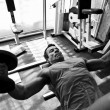 Bodybuilder training gym — ストック写真