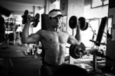 Bodybuilder Training Fitness-Studio — Stockfoto