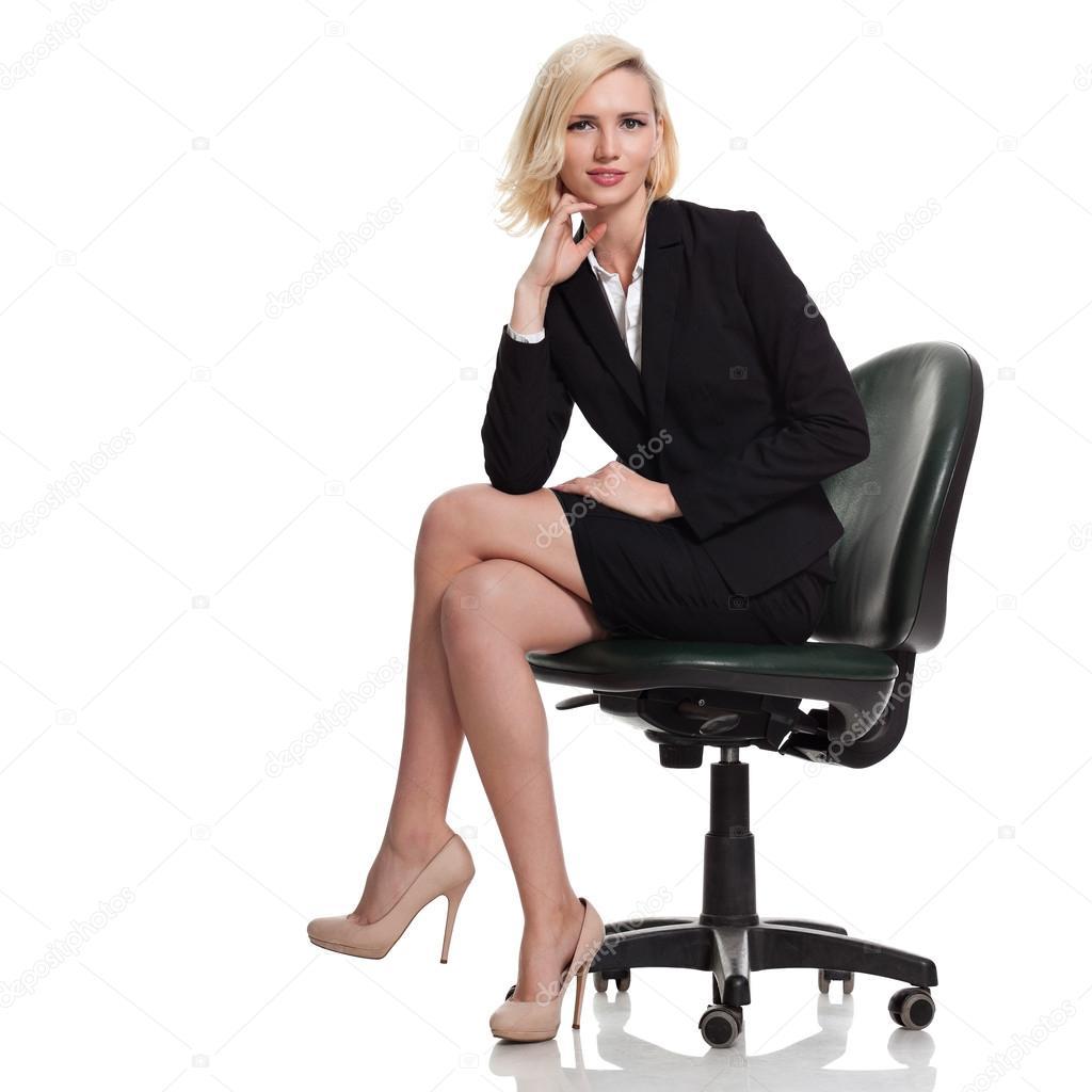 Portant costume noir de femme d 39 affaires photo 39181813 for Portant noir