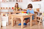 Criança brincando — Fotografia Stock