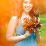 Autumn. Beautiful woman in autumn. — Stock Photo