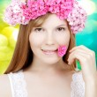 Beauty woman face with flowers — ストック写真
