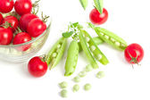 Peas and tomatoes — 图库照片