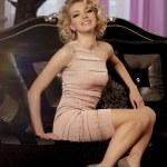 Luxury rich woman like Marilyn Monroe — Stock Photo #27084909