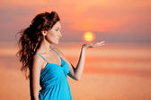 Happy Woman enjoying in Sea Sunset. — Stock Photo