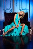 Beauty woman like a princess in the palace. Luxurious rich fashi — Stock Photo