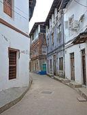 Narrow street in Stone Town on Zanzibar — Stock Photo