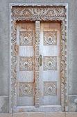 Typical Old Wooden door in Stone Town - Zanzibar — Stock Photo