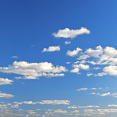 Beautiful clouds and blue sky — Stock Photo