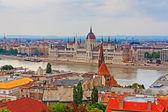 Vista de budapest del parlamento hdr — Foto de Stock