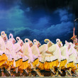 Chinese ethnic dancers of Yi nationality — Stock Photo
